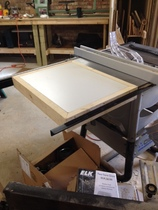 router table top in a Delta table saw wing