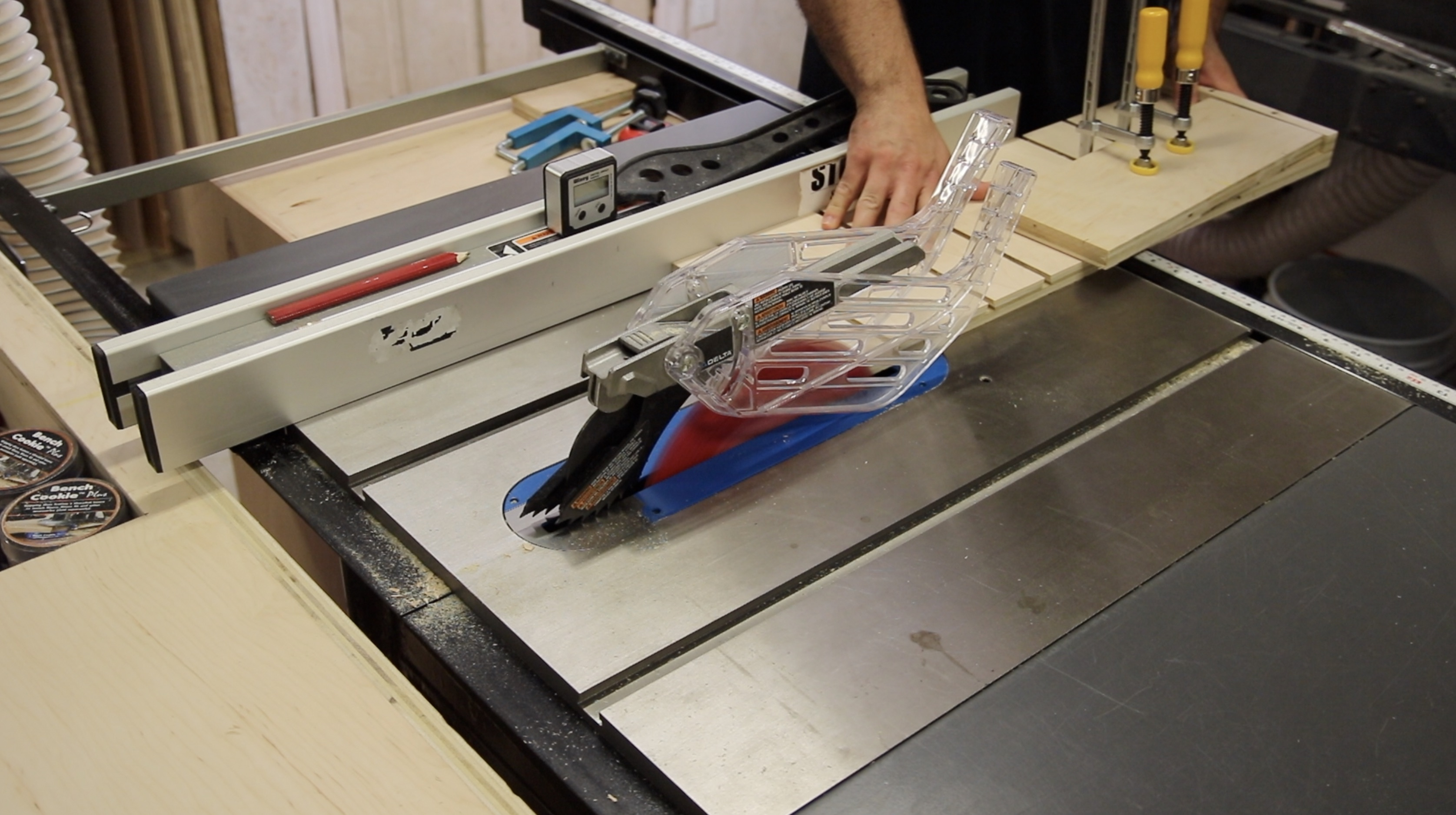 Dovetail clamping taper jig